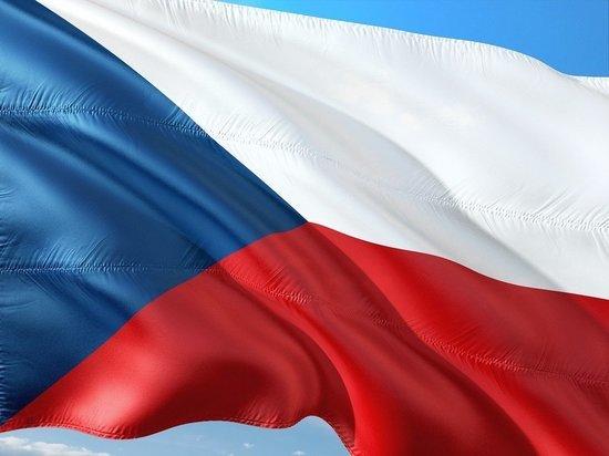 """Чехия попросила страны ЕС выслать """"хотя бы по одному"""" дипломату РФ"""