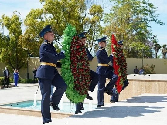 Мемориал военным врачам «Подвиг во имя жизни» открыли в Сочи после реконструкции