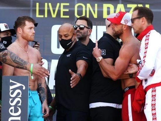 Чемпион мира по версиям WBA и WBC во втором среднем весе Сауль Альварес проведет бой с обладателем пояса WBO Билли Джо Сондерсом в ночь с 8 на 9 мая