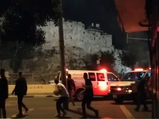 В Иерусалиме 17 палестинцев пострадали в столкновениях с полицией