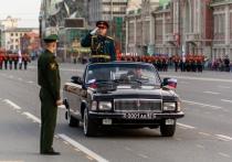 Парад Победы начался на Красном проспекте в Новосибирске