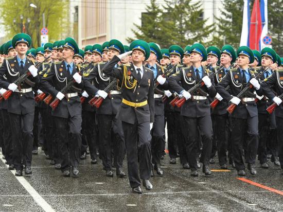 Более 3, 6 тысяч военнослужащих приняли участие в Параде Победы в Хабаровске