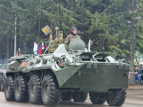 Впервые за много лет в столице ЕАО состоялся парад военной техники, посвященный очередной годовщине победного окончания Великой Отечественной войны