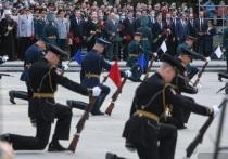 На Широкореченском мемориале возложили цветы к Вечному огню
