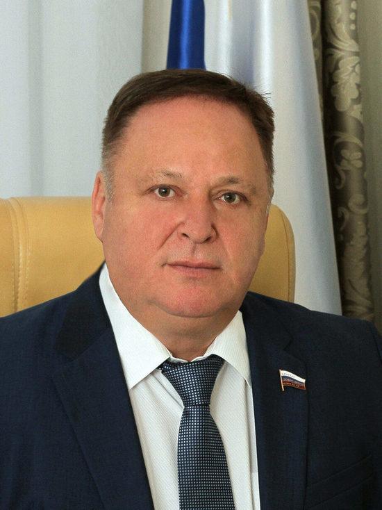 Олег Валенчук поздравил кировчан с Днём Победы