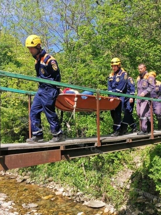 В Сочи спасатели помогли туристке с переломом ключицы