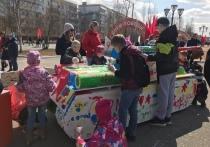 Дети разрисовали танк в Ноябрьске