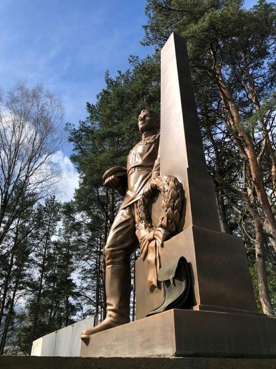 Монумент на братском захоронении советских воинов установили в Себежском районе