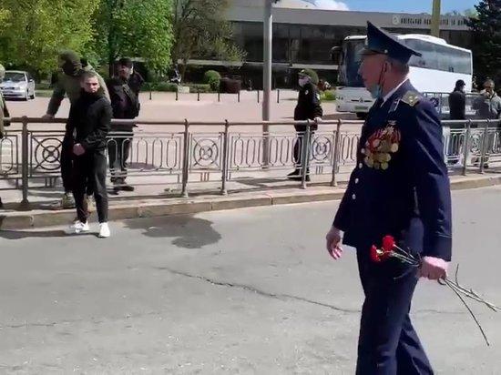 """В Киеве подросток встретил ветерана нацистским """"приветствием"""""""