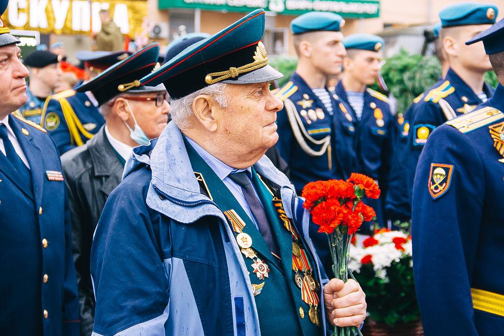 В День Победы в Рязани возложили цветы к Вечному огню