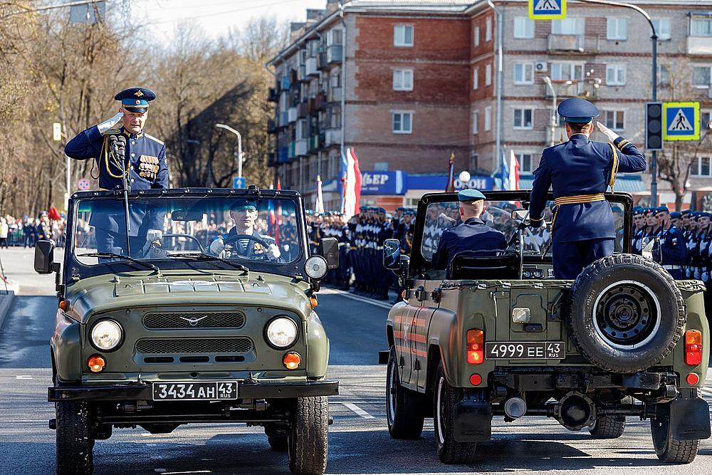 Праздник со слезами на глазах: День Победы прошел в Пскове