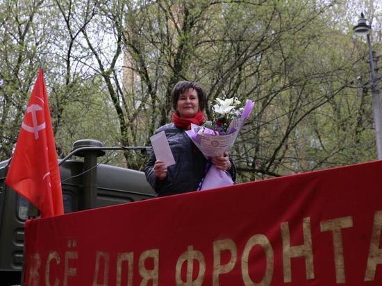 Светлана Разворотнева передала письма от детей московским ветеранам