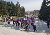 «Уралочка» встретила День Победы велопробегом и поздравила ветеранов войны