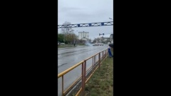 Арктический танк протаранил светофор в Хабаровске