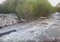 Половодье вновь размыло восстановленный переезд в Калуге