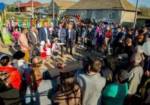 Игорь Додон поздравил жителей села Гайдар в Гагаузии с Днем Победы