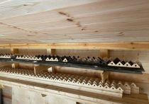 На водоразборной будке в Туле восстанавливают резной декор