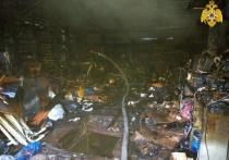 В центре Смоленска ночью полыхал гараж