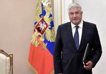 Если посмотреть биографию юбиляра — главы МВД Владимира Колокольцева, которому 11 мая исполняется 60 лет, то можно и удивиться, и многое понять