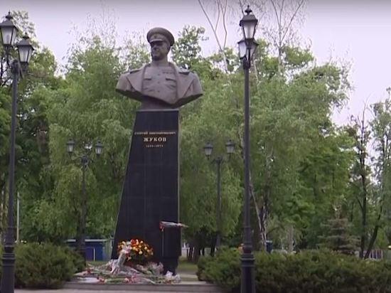 Власти Харькова решили не сносить памятник Жукову