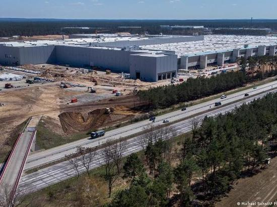 Германия: Илон Маск строит гигафабрику по производству электромобилей под Берлином