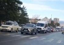 Читинцы пожаловались на пробки из-за перекрытия дорог возле кладбища
