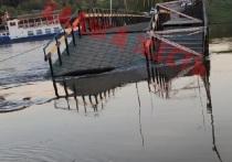 В Калуге подход к понтонному мосту оказался отрезан из-за воды