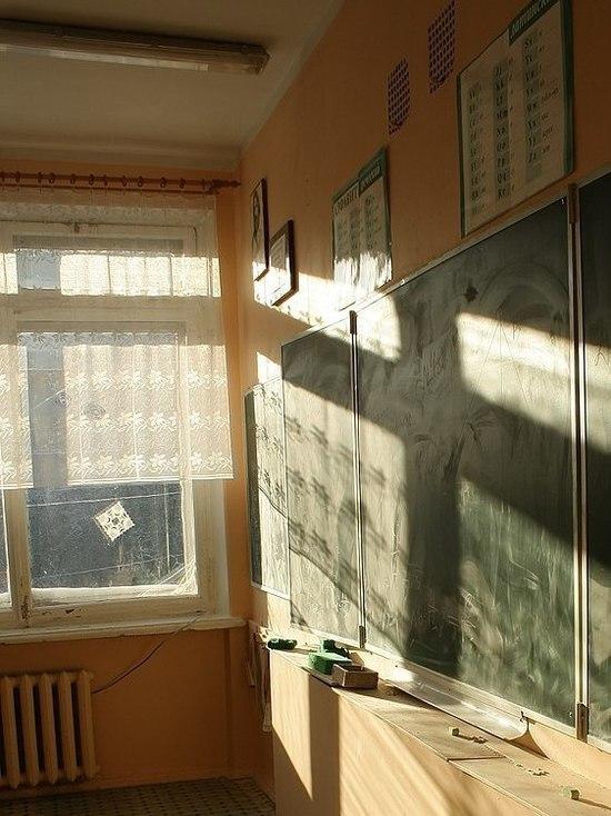 Очевидец сообщила о детях, выпрыгнувших из окна школы в Казани