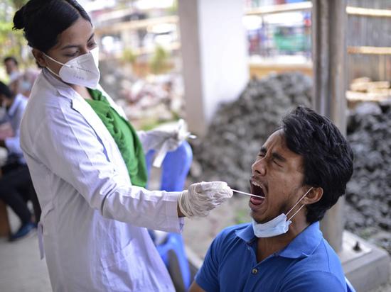 Всемирная организация здравоохранения заявила, что распространяющийся в Индии вариант коронавируса...