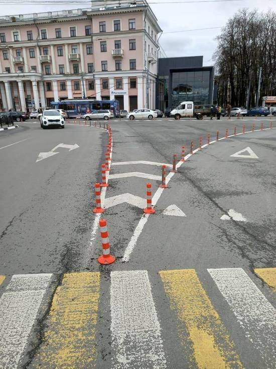 В центре Ярославля у автомобилистов отняли еще одно место для парковки
