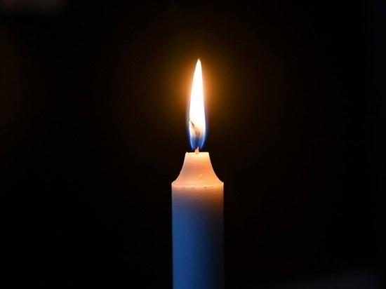 Соболезнования семьям застреленных в школе Казани людей выразил глава Ямала