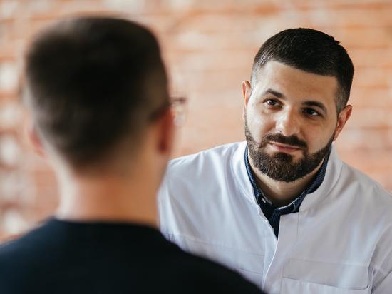 Опытный психотерапевт и врач-нарколог Тимур Мамедов поделился эффективным опытом внедрения эффективного способа борьбы с наркоманией и алкоголизмом.