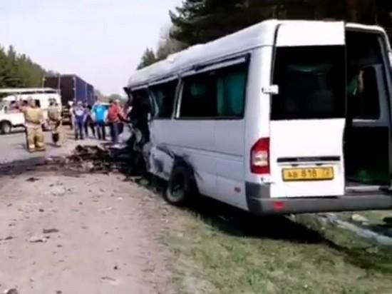 Под Курганом в ДТП с участием микроавтобуса погибли пять человек