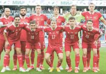 Главный тренер сборной России Станислав Черчесов назвал имена игроков, вызванных на подготовку к Евро-2020, которая начнется 20 мая в подмосковном Новогорске