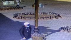 В Улан-Удэ мужчина украл телефон у школьницы