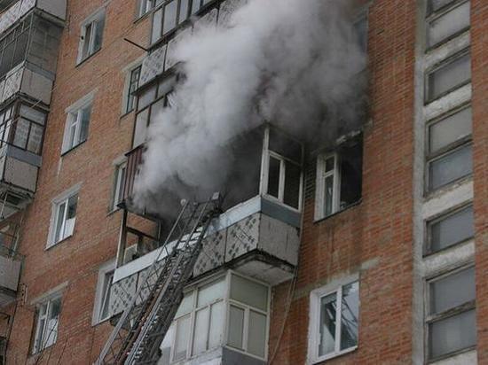 В Ростове во время пожара в жилом доме спасли шесть человек