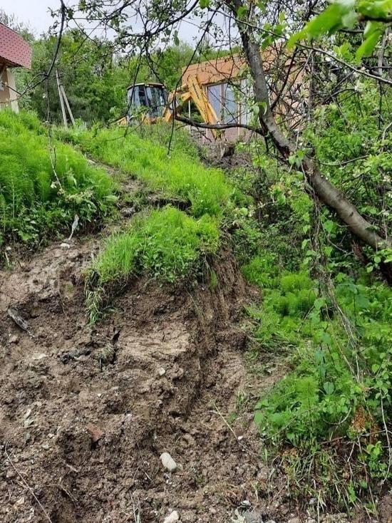 В Сочи после дождя сошёл оползень и повредил два водовода