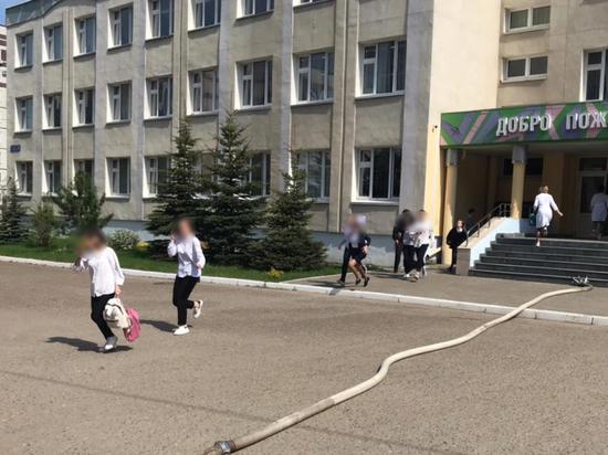 Власти Республики Татарстан оценили действия педагогов во время нападения на школу в Казани