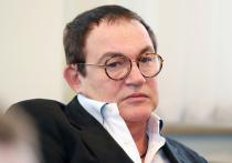 Ведущий интеллектуального шоу «Кто хочет стать миллионером?» Дмитрий Дибров признался, что за долгие годы работы в проекте неоднократно получал предложения получить вознаграждение за помощь участникам