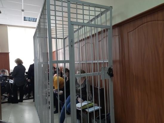 В Заводском районном суде города Кемерово в эти минуты выступает специально прибывший в Кемерово для оглашения гособвинения представитель Генеральной прокуратуры России Александр Коробейников