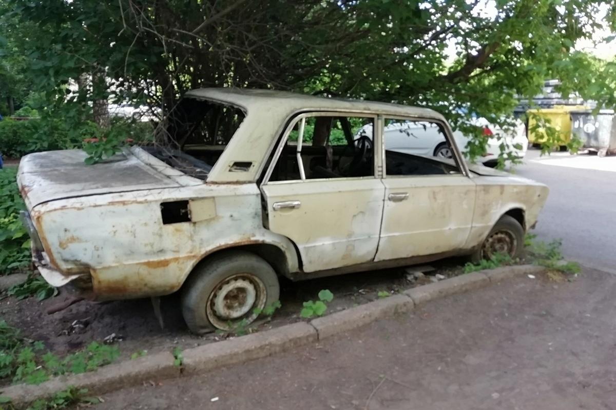 Брошенный на костромской улице автохлам может обойтись его владельцу в 50 тыс. рублей