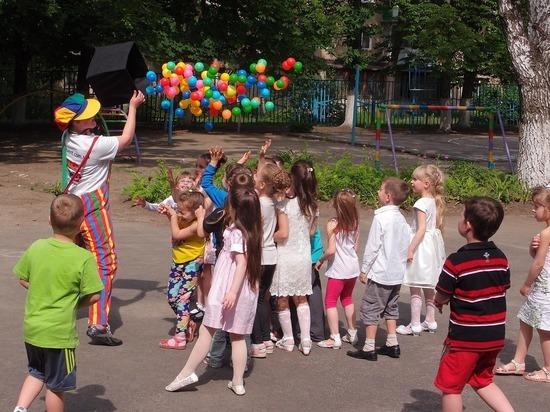 В красноярском детсаду девочку с задержкой речи не пустили на праздник