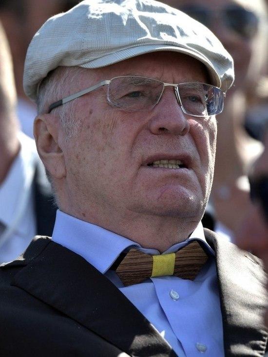 """Жириновский призвал закрыть КПРФ как """"создающую видимость демократии"""""""