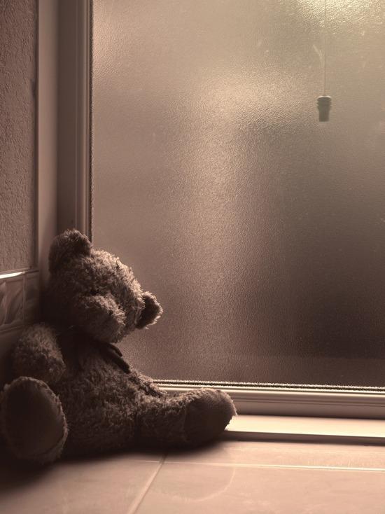 В Кирове мужик выкинул ребенка с пятого этажа, когда мать ушла за водкой