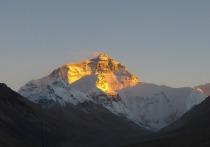 Китай решил отгородиться от Непала по Эвересту