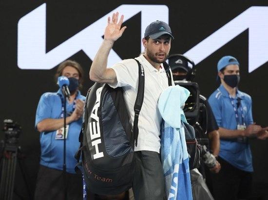 Карацев обыграл Медведева и вышел в третий круг турнира в Риме