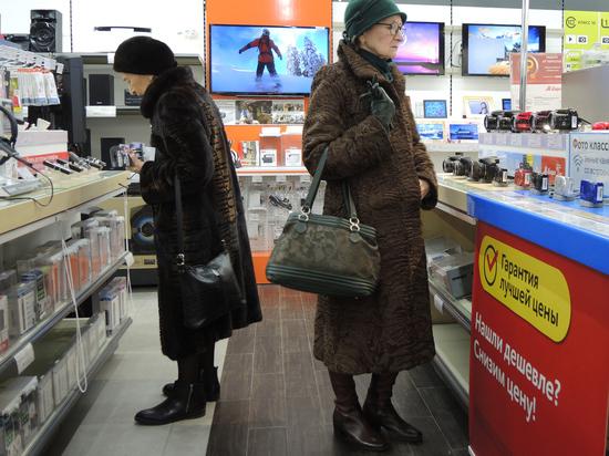 Россияне сметают с полок магазинов крупную бытовую технику, как это всегда происходило на пике любого кризиса
