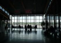 Строительство нового терминала аэропорта планируют начать летом 2021 года, а завершить - осенью 2022 года, сообщил журналистам вице-губернатор Игорь Шатурный
