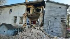 Стена жилого дома обрушилась в Сокольском районе: видео