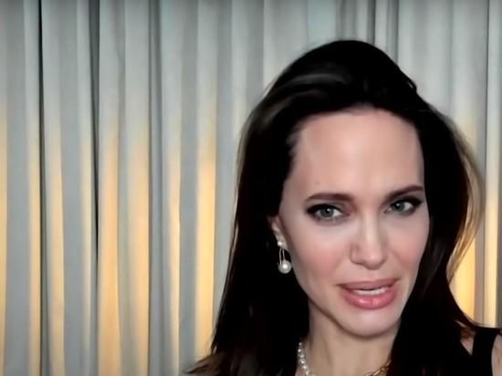 Джоли призналась, почему после Брэда Питта никого не нашла